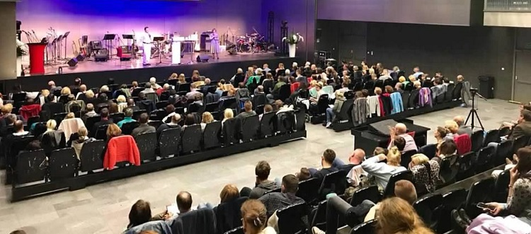 Polish disciple attending our May 2019 conference in Poland goes on mission to Uganda; many miraculously healed and set free from demons