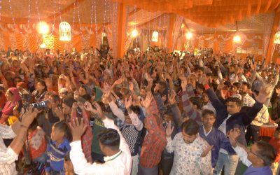 Over 800 receive Christ at Elijah Challenge Event in city dedicated to the goddess Kali; pastors had never seen such manifestations of God's authority