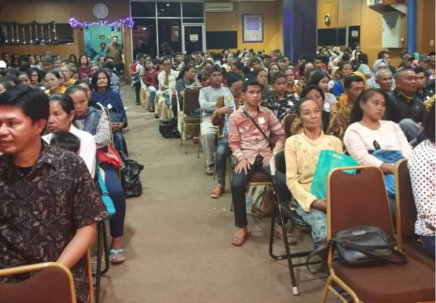 Reaching MUSLIMS: almost 600 NEW believers attend 2019 Christmas service with Elijah Challenge-trained pastor