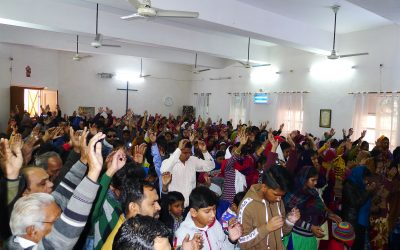 INDIA: over 300 pray to accept Christ in small Methodist church of 50 members; many miraculously healed
