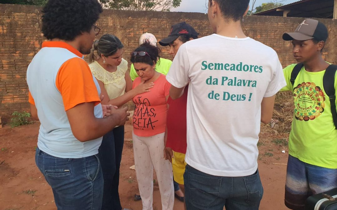 BRAZIL: Former traffickers & drug pushers go door-to-door healing the sick & preaching the gospel