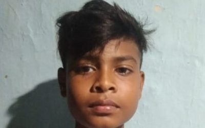 Boy driven by demon to stay in jungle despite the efforts of his Hindu family; set free by Jesus