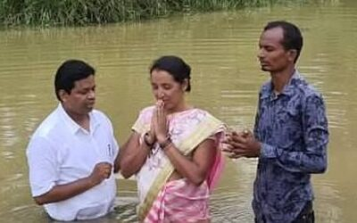 Recently baptized high caste woman ministers supernaturally to astonished Hindu relatives