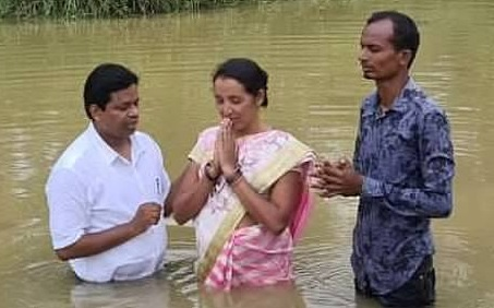 Baptized high-caste couple in India REFUSE to bow down to the THREATS from their Hindu community